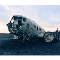 Abandoned plane just like Aaron and I abandoned our plane to Puerto Rico because he came down with the flu the weekend before our trip 🤒🤧😅😢🙁